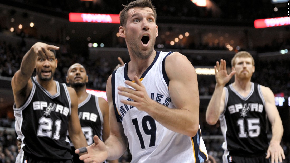 Memphis guard Beno Udrih, center, reacts to an out-of-bounds call by a referee during an NBA game against San Antonio on Tuesday, December 30.