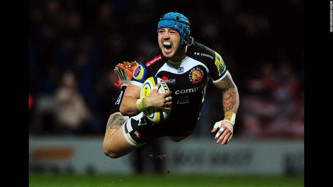 Jack Nowell of the Exeter Chiefs dives for his team's first try during a Premiership match played Saturday, January 3, in Exeter, England.