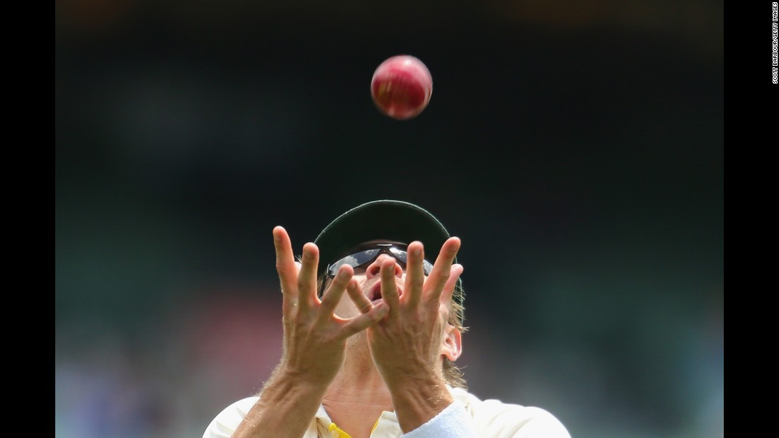 "Australian cricket player Shane Watson makes a catch against India on Tuesday, December 30, during a third Test match between the two countries. The match in Melbourne ended in a draw after Australia won the previous two. <a href=""http://www.cnn.com/2014/12/30/worldsport/gallery/what-a-shot-1230/index.html"" target=""_blank"">See 30 amazing sports photos from last week</a>"