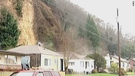 dnt landslide moves house_00000226