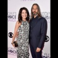 09 peoples choice awards 0107 Lisa Edelstein and Robert Russell