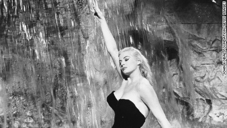 960: Swedish actress Anita Ekberg plays the glamorous Sylvia in the fountain scene from 'La Dolce Vita', directed by Federico Fellini. (Photo via John Kobal Foundation/Getty Images)