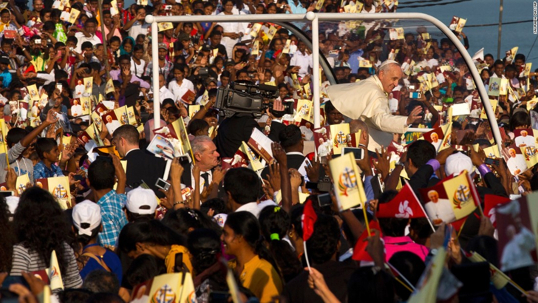The Pope arrives in Colombo for the canonization ceremony.