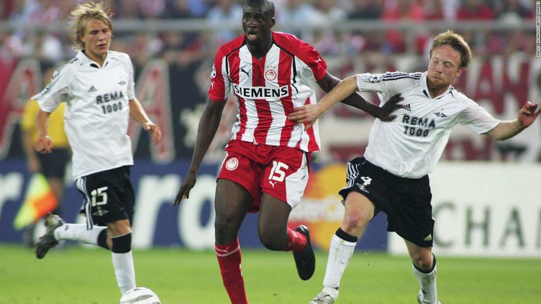 The first notable silverware of his career came with the Greek domestic double in the 2005-06 season with Olympiacos, for whom he played for two seasons before a season spent in the French top flight with Monaco.