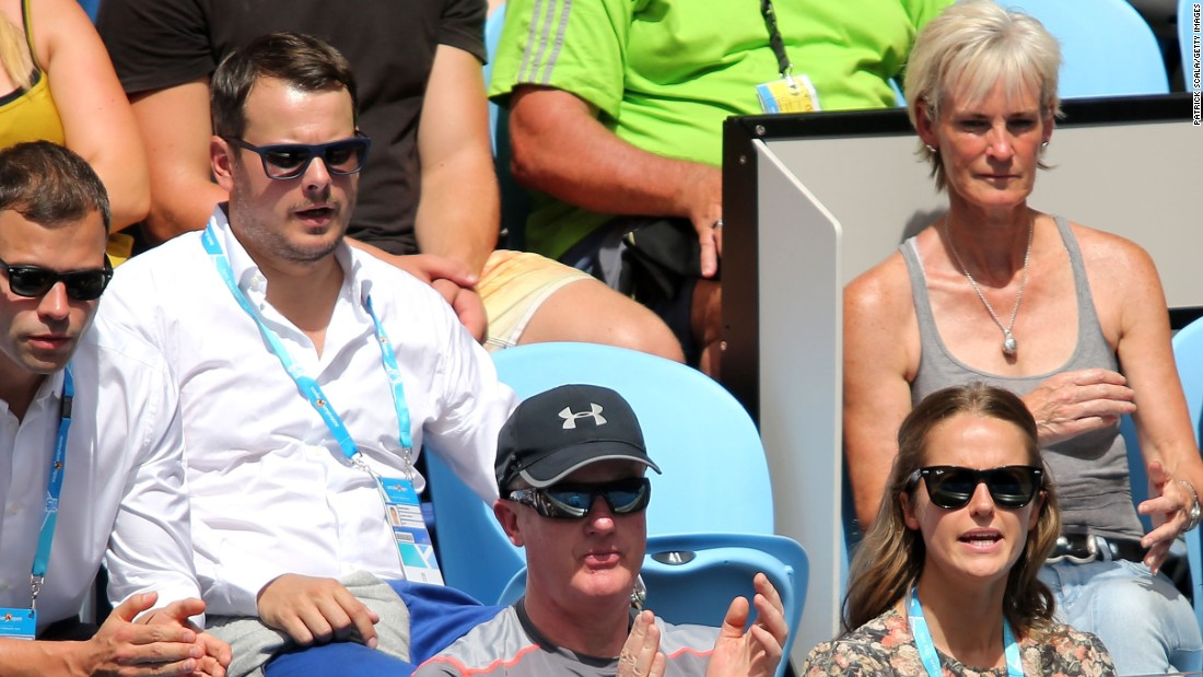 Murray's box included fiancee Kim Sears, bottom right, and mom Judy, top right.