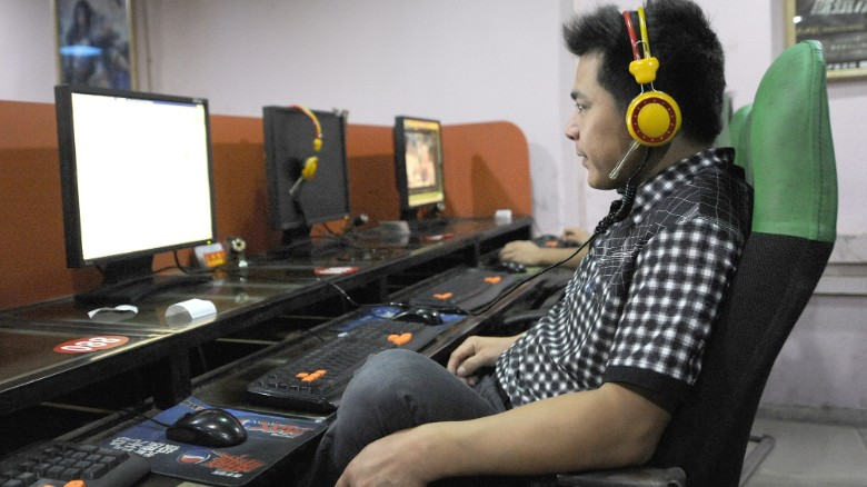 Man dies after playing video games for three days
