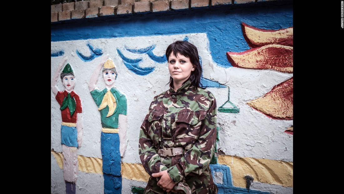 Masha used to be a hairdresser in Luhansk. She joined Donbas Battalion in April 2014.<br />
