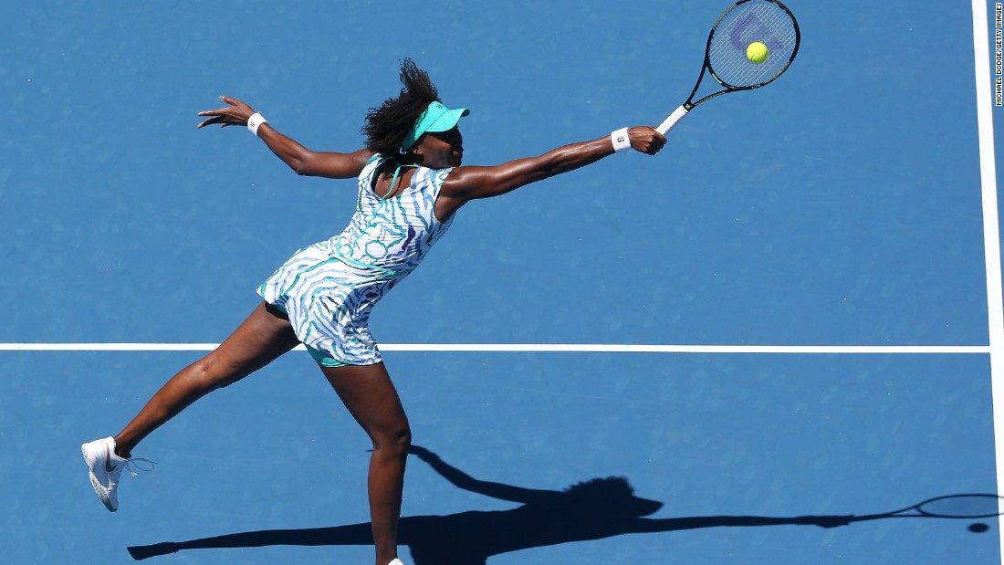 Williams' older sister, Venus, also advanced. She crushed fellow American Lauren Davis. Can Williams end her five-year quarterfinal drought at majors?
