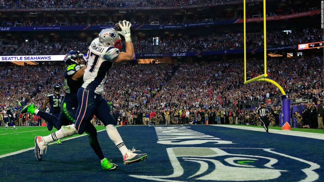 Gronkowski catches the touchdown pass over Seattle linebacker K.J. Wright.