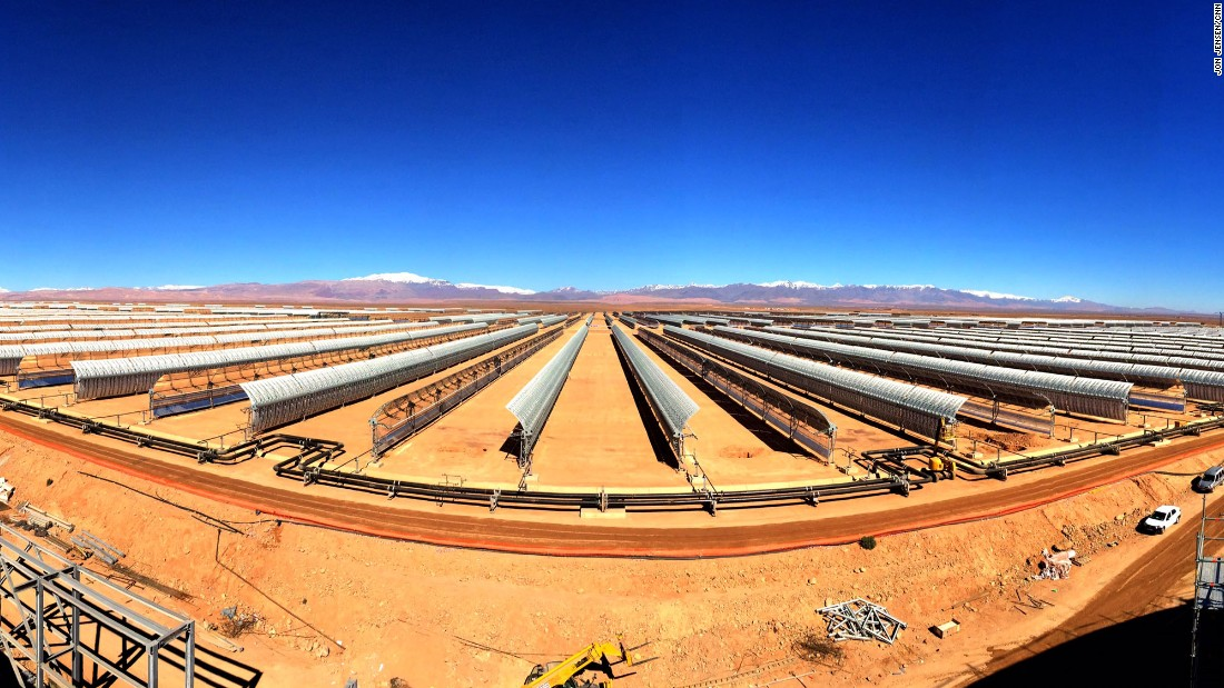 Morocco's new solar power plant will cover a 30 square kilometer area outside the city of Ouarzazate.<br />