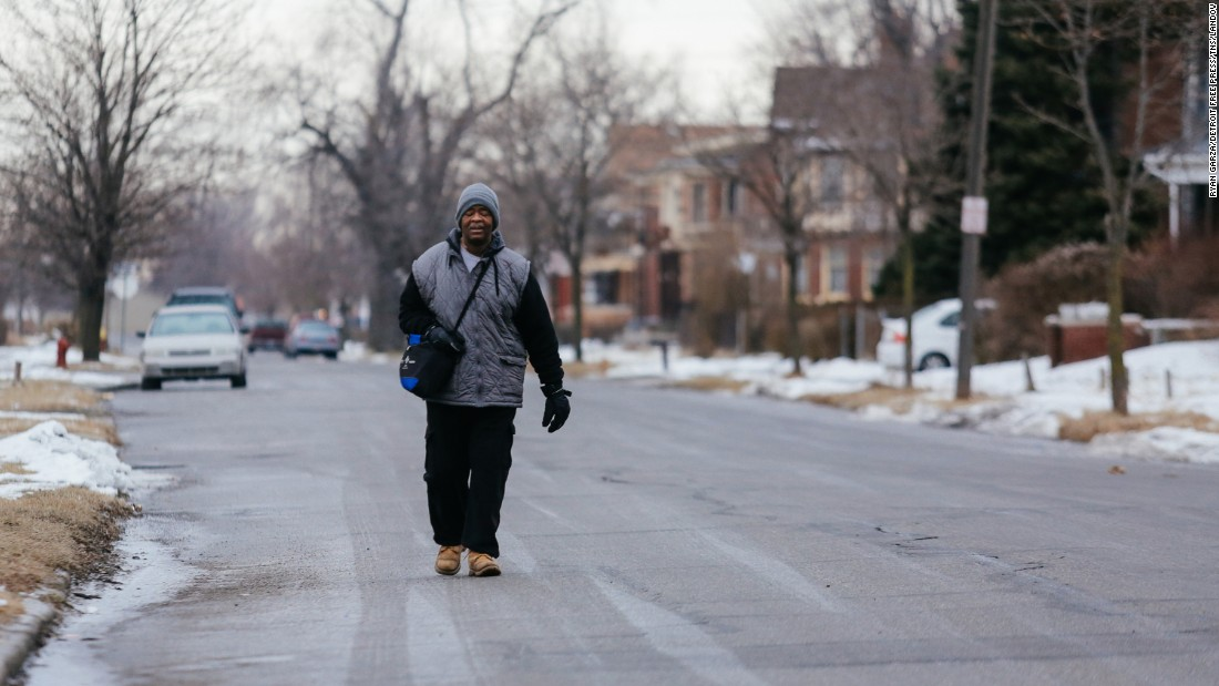 Donations pour in for Detroit man who walks 21 miles for his daily commute