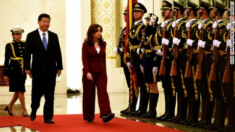 Chinese President Xi Jinping and Argentine President Cristina Kirchner  during the welcoming ceremony at the Great Hall of the People in Beijing, February 4, 2015.