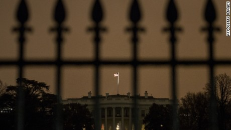 Intruder breaches White House grounds, arrested near residence entrance