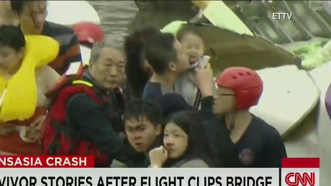 Father saves toddler in TransAsia plane crash