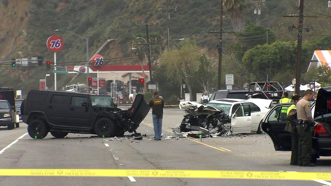 Bruce Jenner speaks out on car crash: 'It is a devastating tragedy'