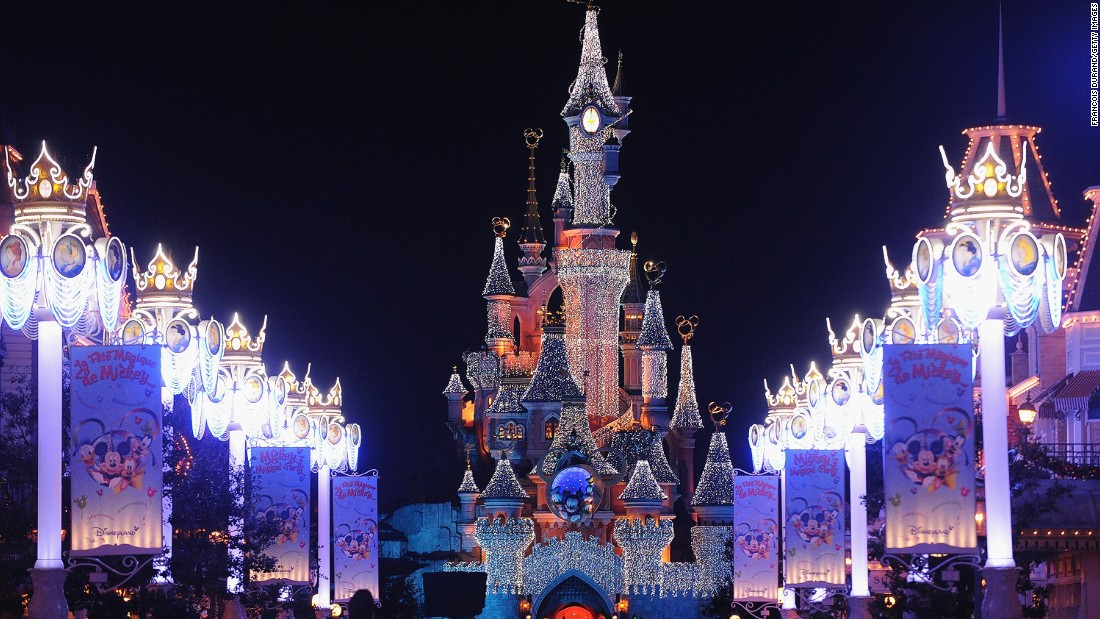 The centerpiece of Disneyland Paris, Sleeping Beauty Castle is a hotspot for nighttime selfies -- particularly during fireworks shows.