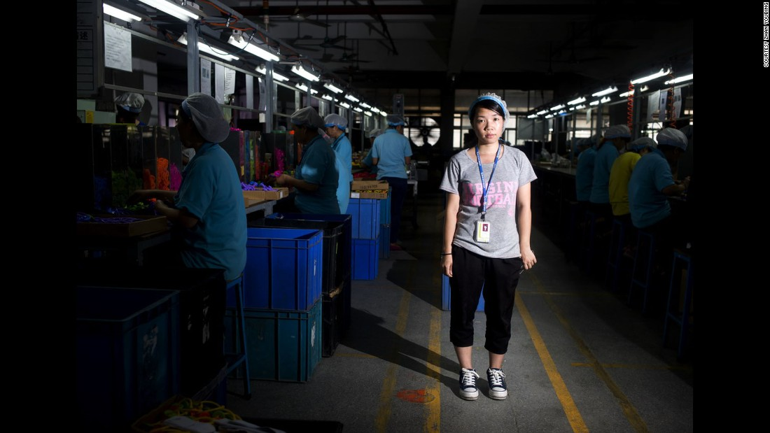 Zhong Jianxia started working at this toy manufacturing factory in Dongguan in April 2014. Prior to this job, she worked at an electronics factory. She was born in 1991 in Yunfu, Guangdong, and got a junior high school degree.