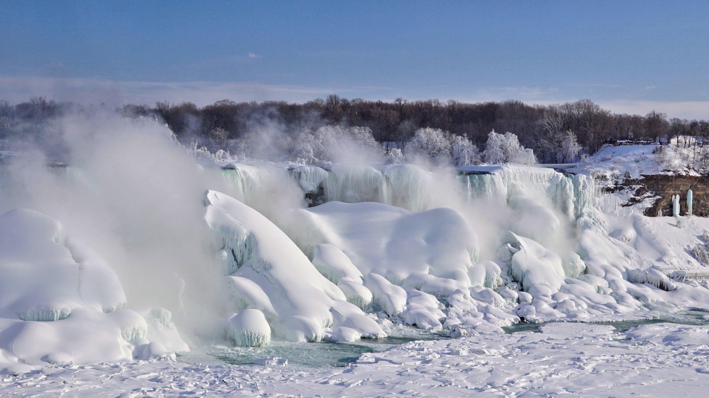 Frozen Niagara Falls Draws Tourists Cnn Travel