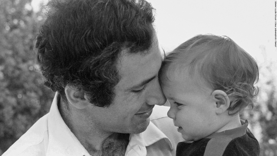 Netanyahu and his daughter, Noa, in June 1980.