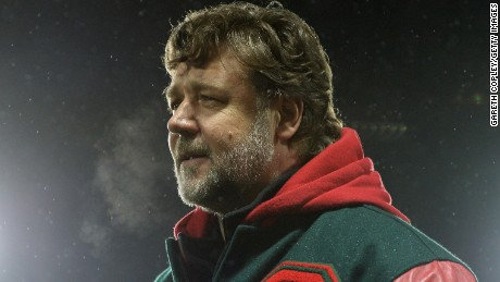 Russell Crowe saw South Sydney Rabbitohs defeat St Helens 39-0 Sunday.