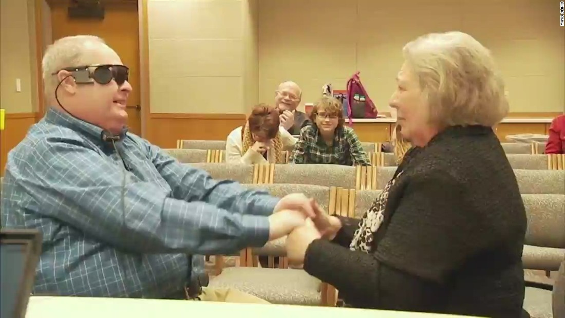 Man gets bionic eye, sees wife for first time in decade