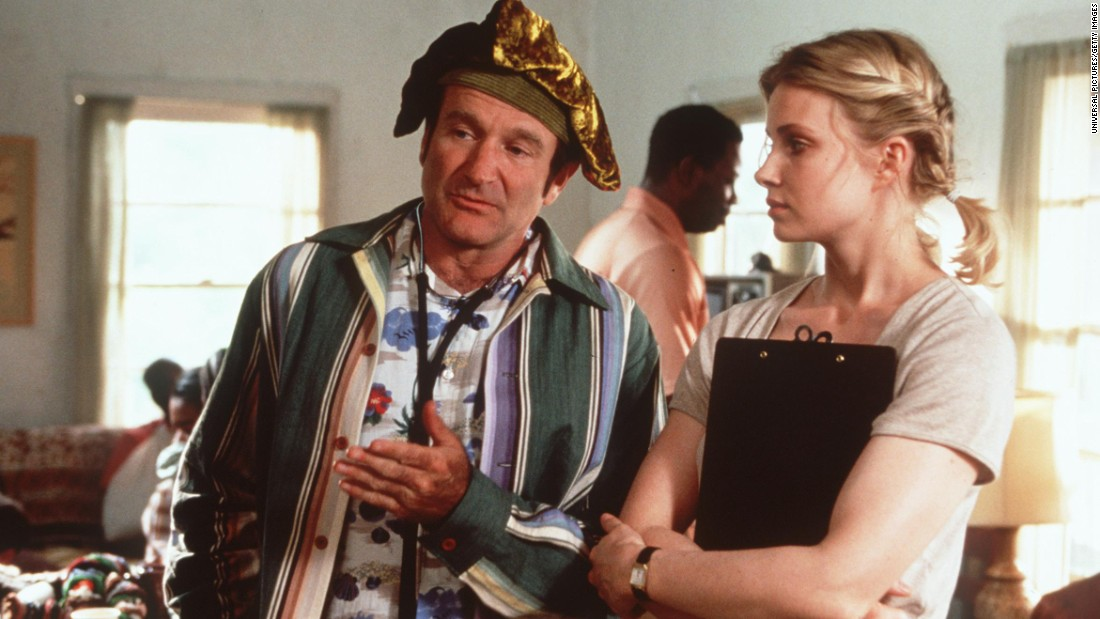 "<strong>""Patch Adams"" (1998) :</strong> The late Robin Williams amd Monica Potter star in this tear-jerker. <strong>(Netflix) </strong>"