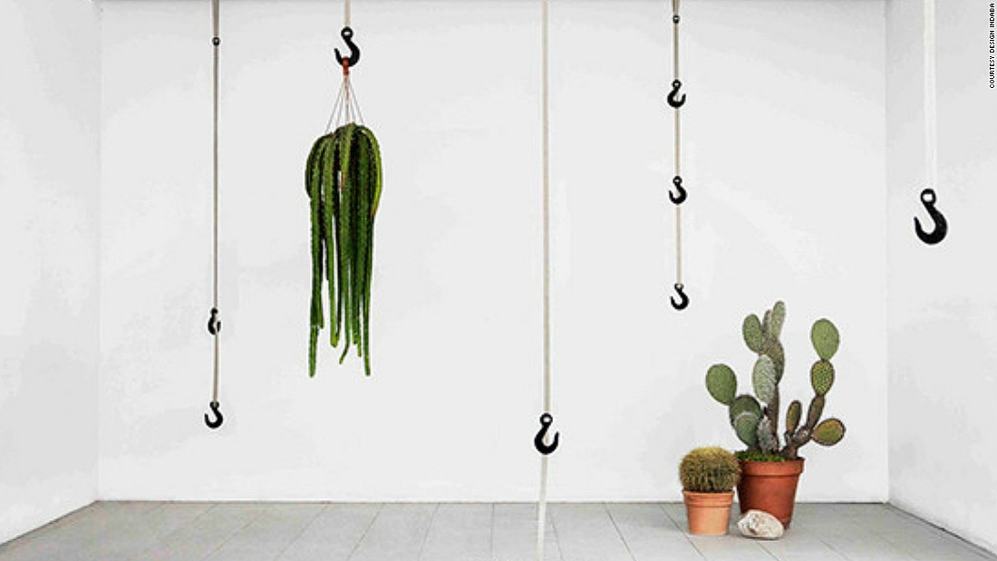 Ryan Frank creates new materials by combining grass fibers with recycled polypropylene. He then turns them into crane-like hooks for home use.