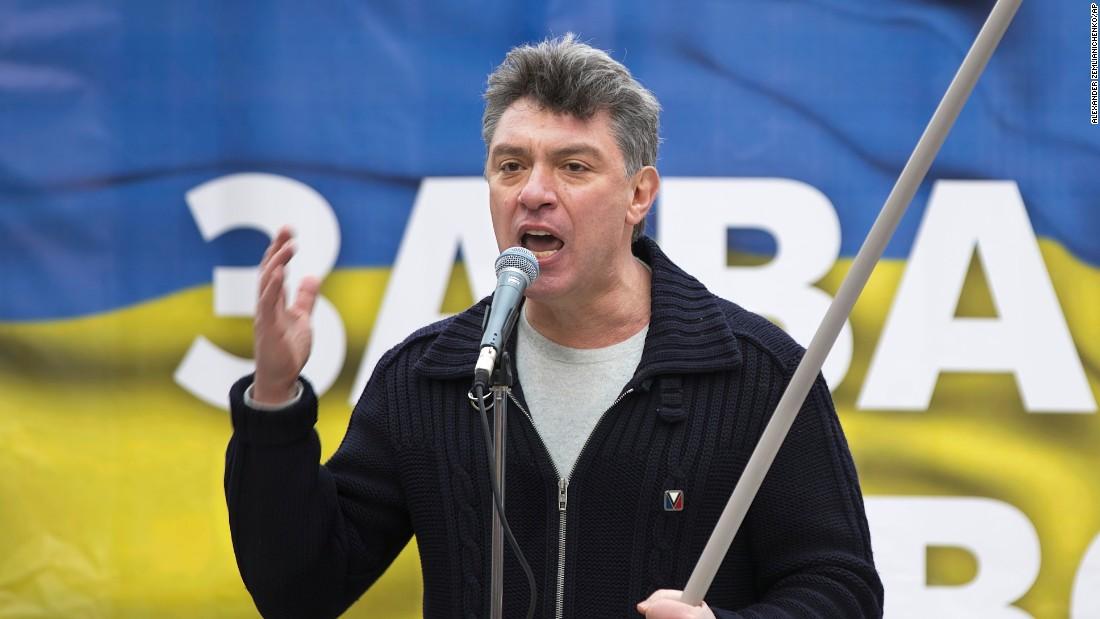Crowds mourn killing of Boris Nemtsov, outspoken Putin critic