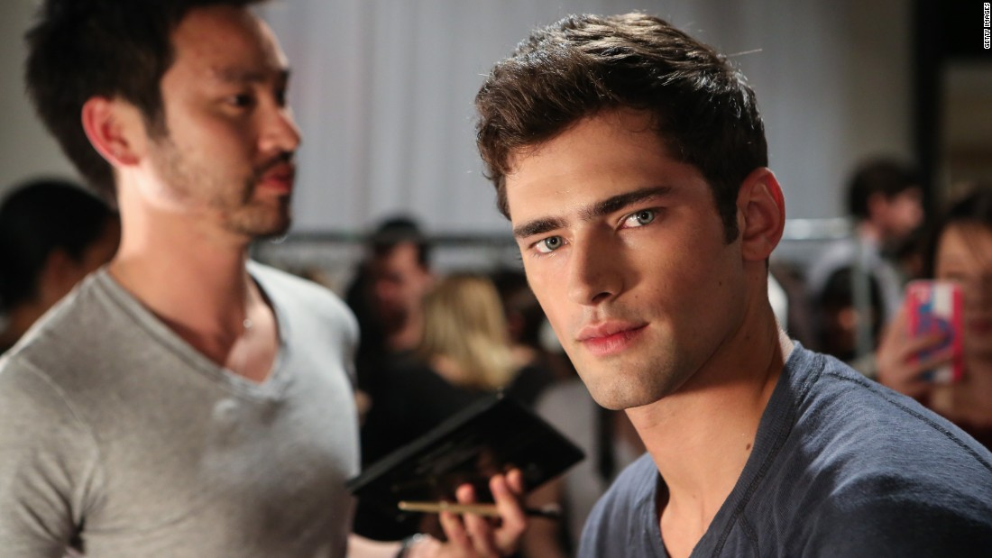 "Sean O'Pry is just 25, but he's already the <a href=""http://www.forbes.com/video/2728065650001/"" target=""_blank"">world's top-paid male model</a> and <em>so</em> hot right now. He's been the face of Calvin Klein and recently appeared as the ridiculously good-looking guy in Taylor Swift's video for ""<a href=""https://www.youtube.com/watch?v=e-ORhEE9VVg"" target=""_blank"">Blank Space</a>."""