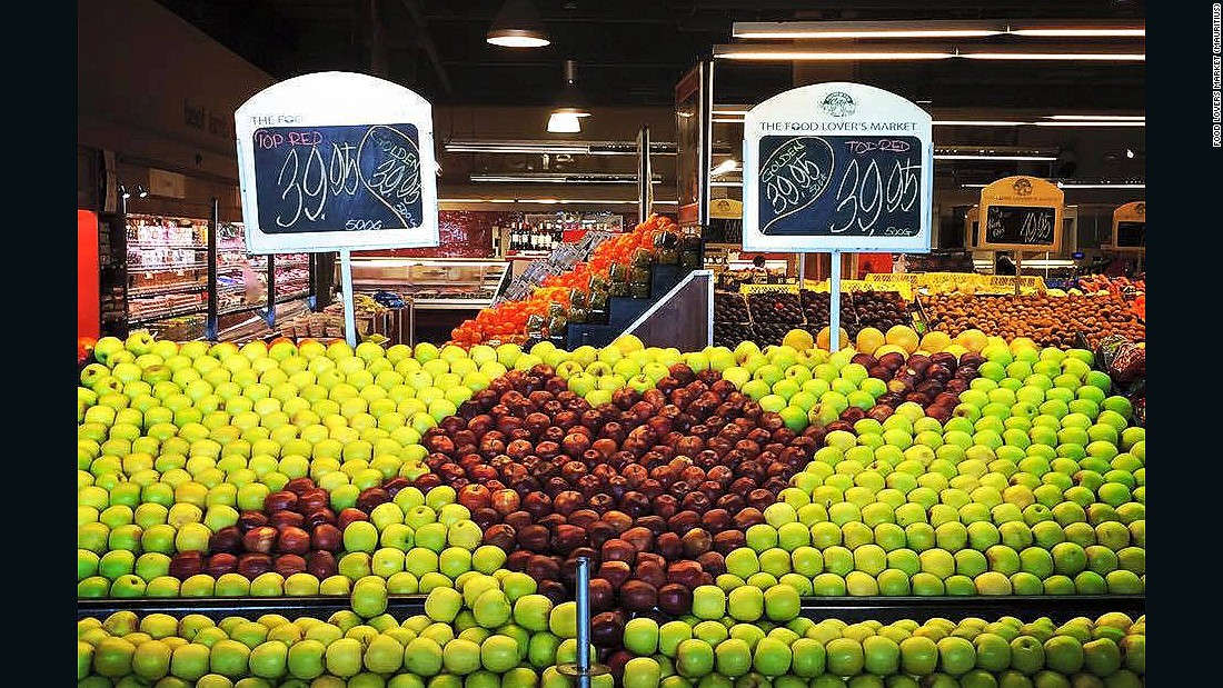 These days, Surat's distribution center can hold 1,300 tons of fresh fruit and vegetables -- volumes which mean the supermarkets can get the produce they need at the right time.