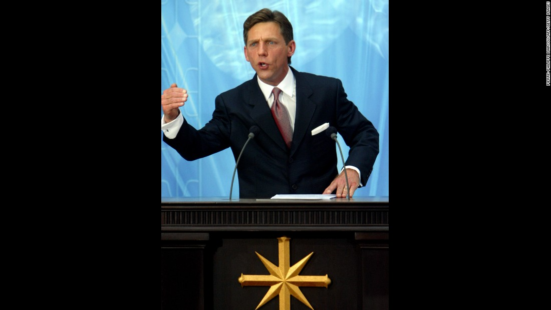 Miscavige speaks during the inauguration of the Madrid church in September 2004.