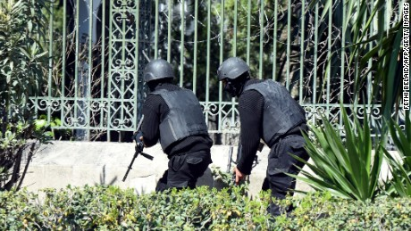 Tunisian security forces secure the area after gunmen attacked Tunis' famed Bardo Museum on March 18, 2015.