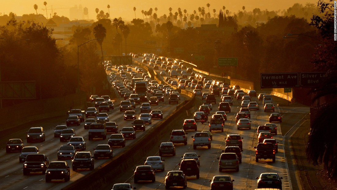 Los Angeles has a reputation as the poster child for sprawl, but its mean commute time is 29.1 minutes. About 15.6% of area residents commute for 60 minutes or more -- a lower percentage than San Francisco.