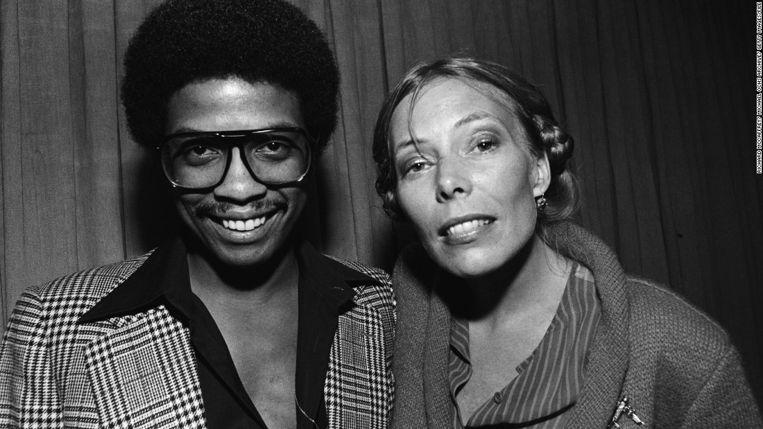 Mitchell joins Herbie Hancock backstage in Berkeley, California, in 1982.