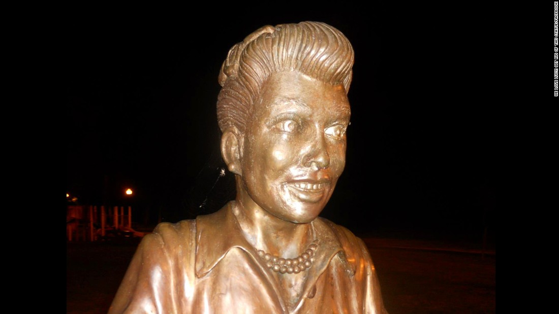 Sculptor asks for $10,000 to 'fix' his Lucille Ball statue