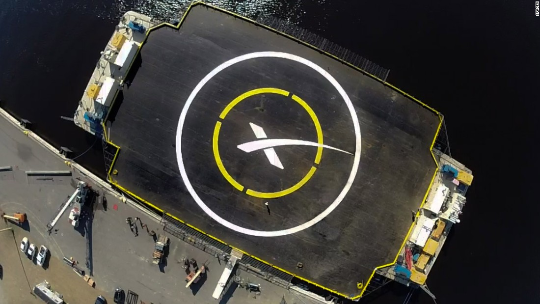 SpaceX delays plan to try to land rocket on a floating platform