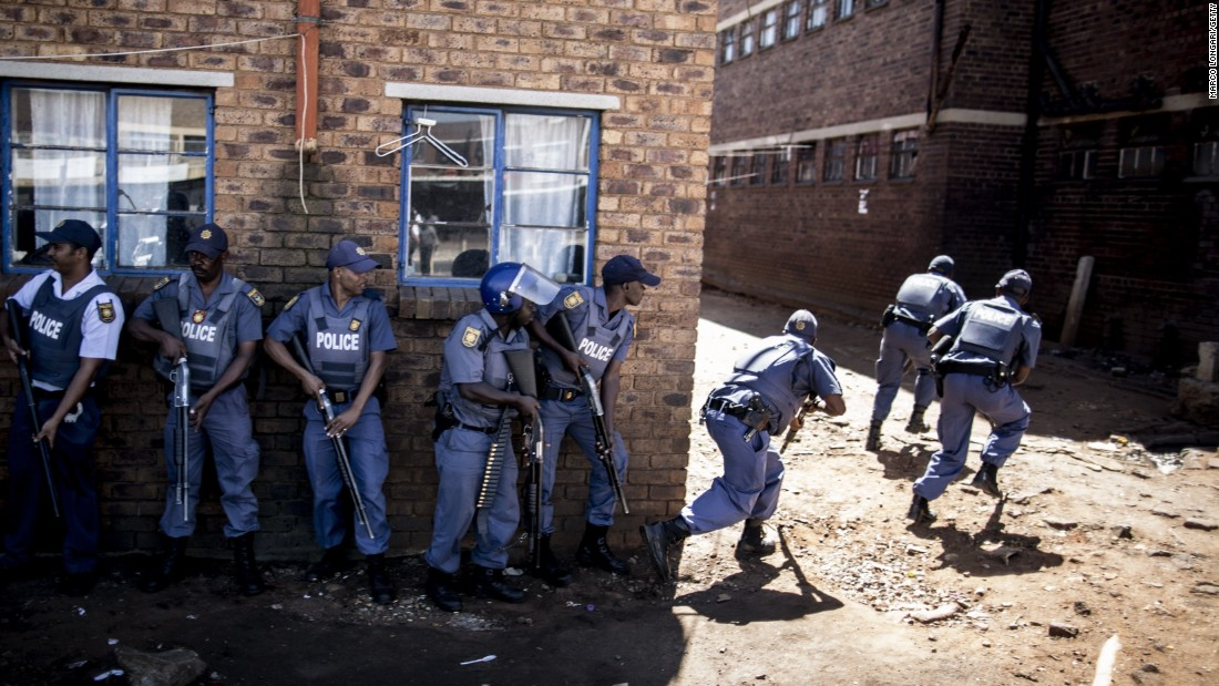 Shops set ablaze, looted as xenophobic attacks spread in South Africa