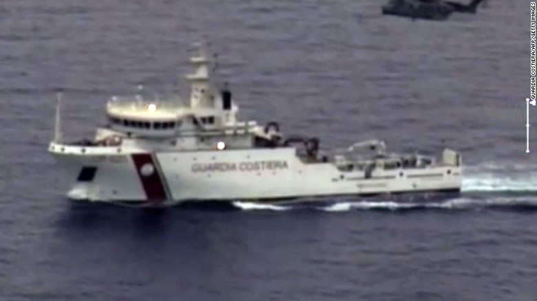 Report: Distress call from migrant boat