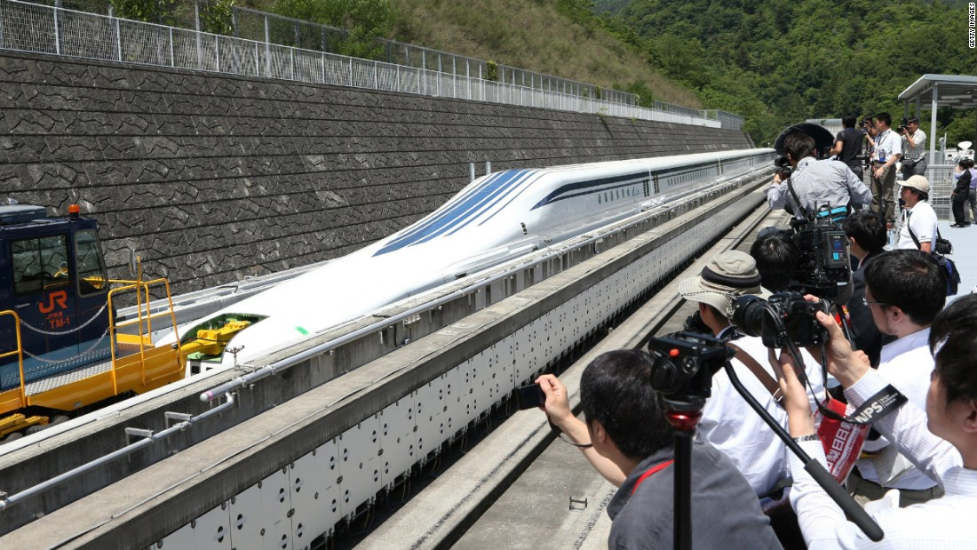 Japan maglev train sets world record