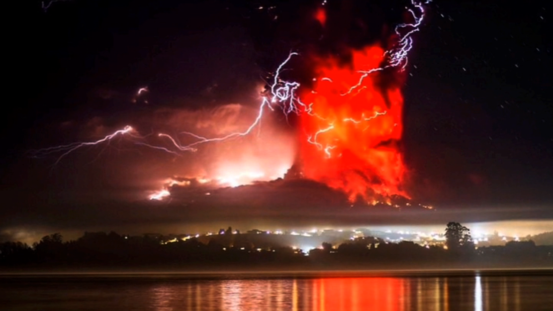 Chile's Calbuco volcano erupts for first time in more than 40 years