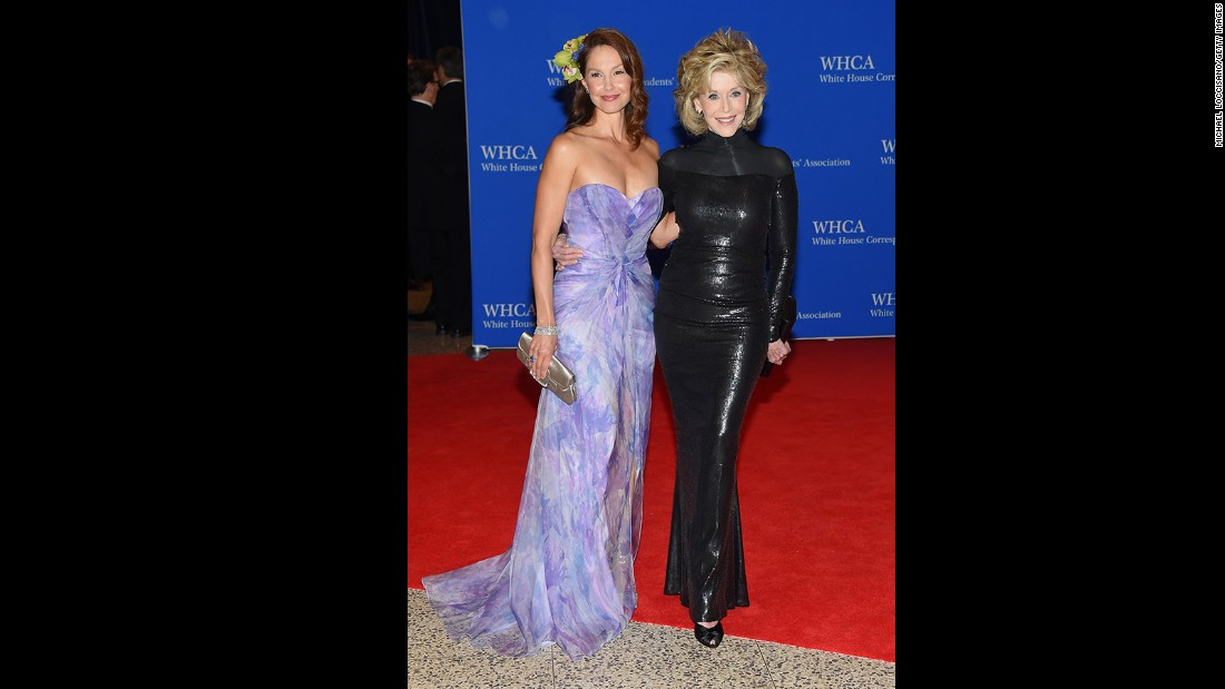 Ashley Judd and Jane Fonda attend the 101st Annual White House Correspondents' Association Dinner at the Washington Hilton on April 25, 2015 in Washington, D.C.