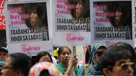 Supporters hold a protest in front of the Indonesian embassy in Manila on April 24 in support of Mary Jane Veloso.