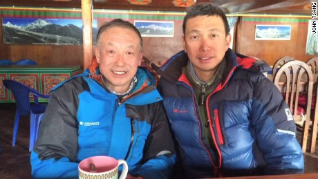 intv tsang hk climber trapped everest basecamp_00002215