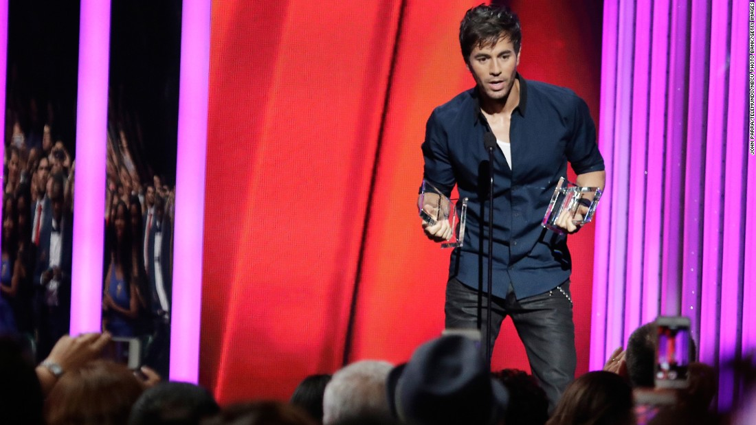 Romeo Santos, Enrique Iglesias win big at 2015 Billboard Latin Music Awards