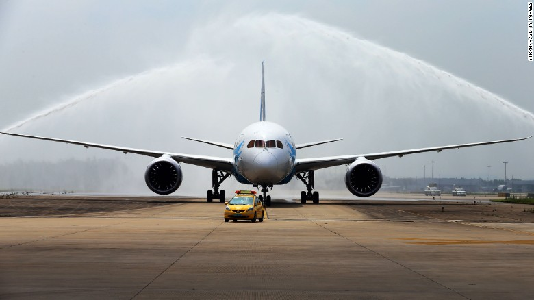 American to begin 787 Dreamliner service
