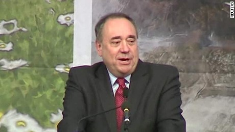 uk election alex salmond wins seat for snp_00004018
