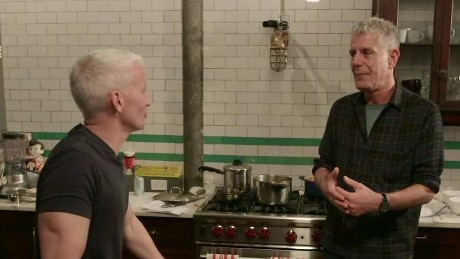 exp ac anthony bourdain anderson cooper glasgow scotland_00002424