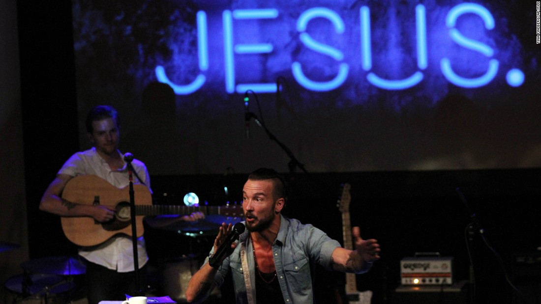 Evangelicals such as Pastor Carl Lentz, leader of Hillsong Church in New York, form the largest faith group in the United States, encompassing 25.4% of the adult population, according to a new Pew Research Center study.