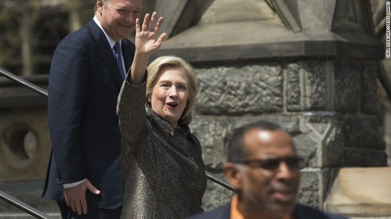 Hillary Clinton in Iowa says experience counts