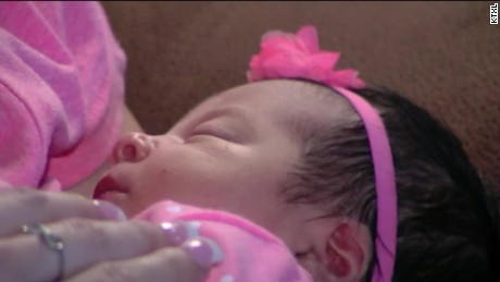 pkg woman gives birth surprise baby mother's day_00004422